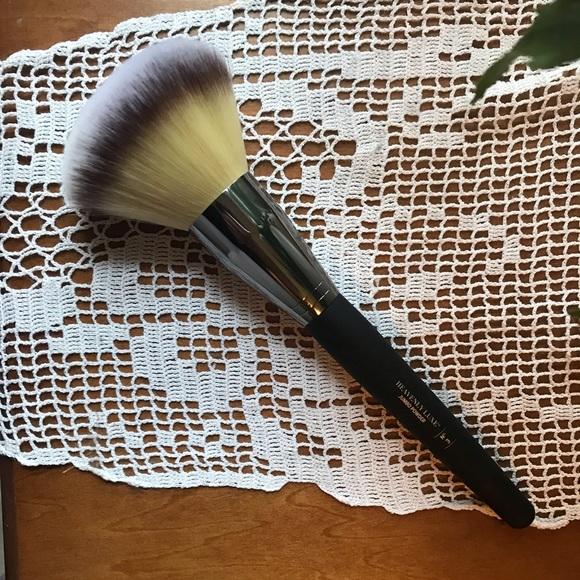 It Cosmetics x ULTA Love Beauty Fully All Over Powder Brush #211 by IT Cosmetics #19